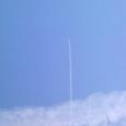 飛行機雲がツキヌケタ