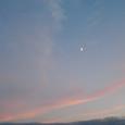 夕焼け空に…月