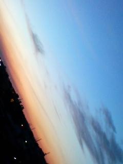 朝と夜の間に…月