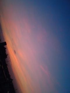 朝四時の空
