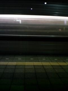 通過する電車は…