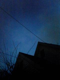 闇に包まれてく青空