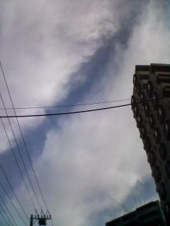 雲をジョキジョキ♪