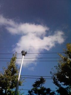 雲に目が行く季節