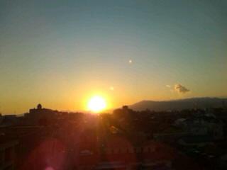 落ちる太陽
